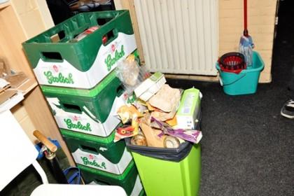 16-8-2012-16-7-vuilnis_480
